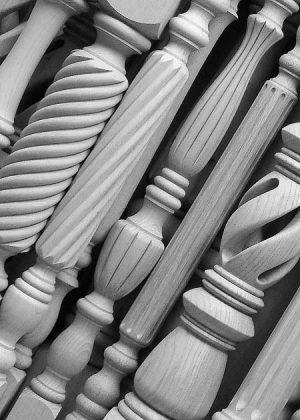 Gambe per tavoli in legno con lavorazione particolare - Dettaglio