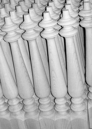 Gambe per tavoli in legno prodotte in serie in faggio trattato al vapore