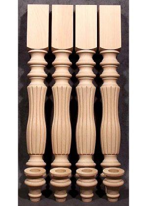 Gambe per tavoli legno con fresatura singolare in cui la parte inferiore viene fatta con un pezzo a parte