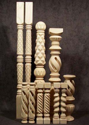 Speciali colonne di legno di frassino splendidamente lavorate